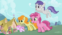 Ponies watching S2E06