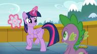 S06E01 Szczęśliwa Twilight z zaproszeniem