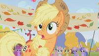 Scruffy Applejack looking surprised S01E13