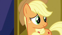 Applejack looking at Twilight Sparkle S7E14