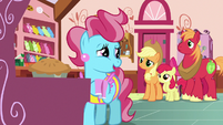 """Mrs. Cake """"we're gonna need one more pony"""" S7E13"""