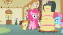 Pinkie Pie eyes cake S2E13