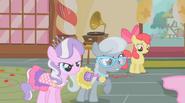 S01E12 Diamond Tiara, Silver Spoon, Apple Bloom