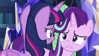 Twilight and Starlight look at each other again S7E19
