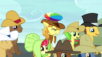 Braeburn hit on the head with a beach ball S5E6