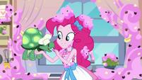 Pinkie Pie feeding a cookie to Tank EGDS30