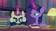 S05E12 Moondancer i Twilight w bibliotece