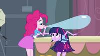 Twilight ducks under Pinkie's balloon EG