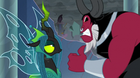 Lord Tirek glaring at Queen Chrysalis S9E25