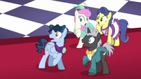 Ponies shocked by the Smooze S5E7