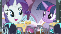 """Rarity """"change my design for your gown"""" S9E26"""
