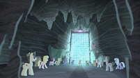 Village ponies watch the glass crack S5E2