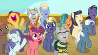 Cruise ponies cheering at Iron Will S7E22