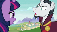 S08E01 Kanclerz Neighsay ''Zagrażacie kucykom!''