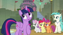"""Twilight Sparkle """"and... research!"""" S8E6"""