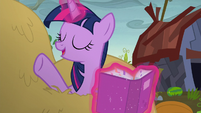 """Twilight Sparkle """"not to worry"""" S5E23"""