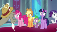 Twilight and friends in wide-eyed shock S9E1