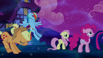 Applejack and Rainbow come to a halt S5E13