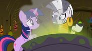 S02E10 Zecora tłumaczy Twilight problem Spike'a