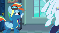 Soarin catapulting himself off the floor S8E5