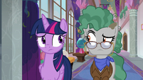Twilight and Fossil look at each other S8E21
