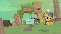 Daring and Rainbow fly to temple entrance S9E21
