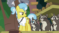 Dr. Fauna and Smoky's family look confused S9E18