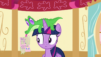 Gummy shows Twilight a letter from Pinkie S5E11