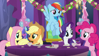 Main five ponies looking concerned S7E1