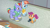 Scootaloo excited to see Rainbow's old bedroom S7E7