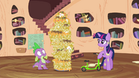 Spike sees the foals have left S4E15