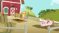 Applejack, Spike, and muddy pig S03E09