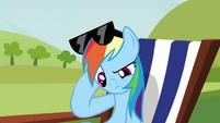 Rainbow Dash head scratch S3E3