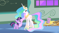 S01E23 Filly Twilight i Spike, a koło nich Celestia