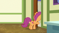Scootaloo looking out the school door S9E12