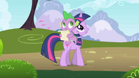 Twilight and Spike hear music S1E01