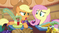 """Applejack """"those two not bein' friends isn't a problem"""" S6E20"""