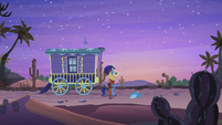 Hoo'Far and Trixie in desert at night S8E19