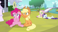 Pinkie Pie biting hooves S3E2