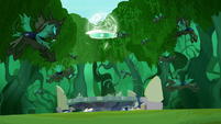 Portal closes before changelings are able to attack S5E26