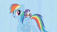 Rainbow Dash walking through S1E14