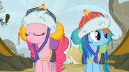S05E08 Rainbow i Pinkie w Griffonstone