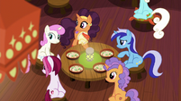 Saffron and ponies hear Zesty Gourmand enter S6E12