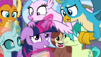 Young Six crowding around Twilight S9E7