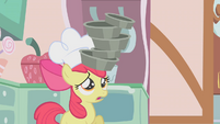 Apple Bloom balancing pans on head S1E12