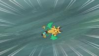 Armored dragon falls toward the water S6E5