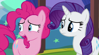Pinkie nervously laughs S5E19