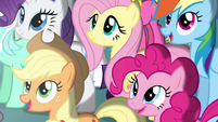 Twilight's friends in awe S4E02