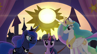 Twilight successfully raises the sun S9E17