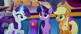 Rarity straightening Twilight's crown MLPTM